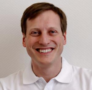 Dr. Tobias Hahn